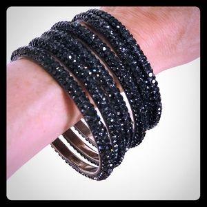 Set of 6 sparkling grey bangles
